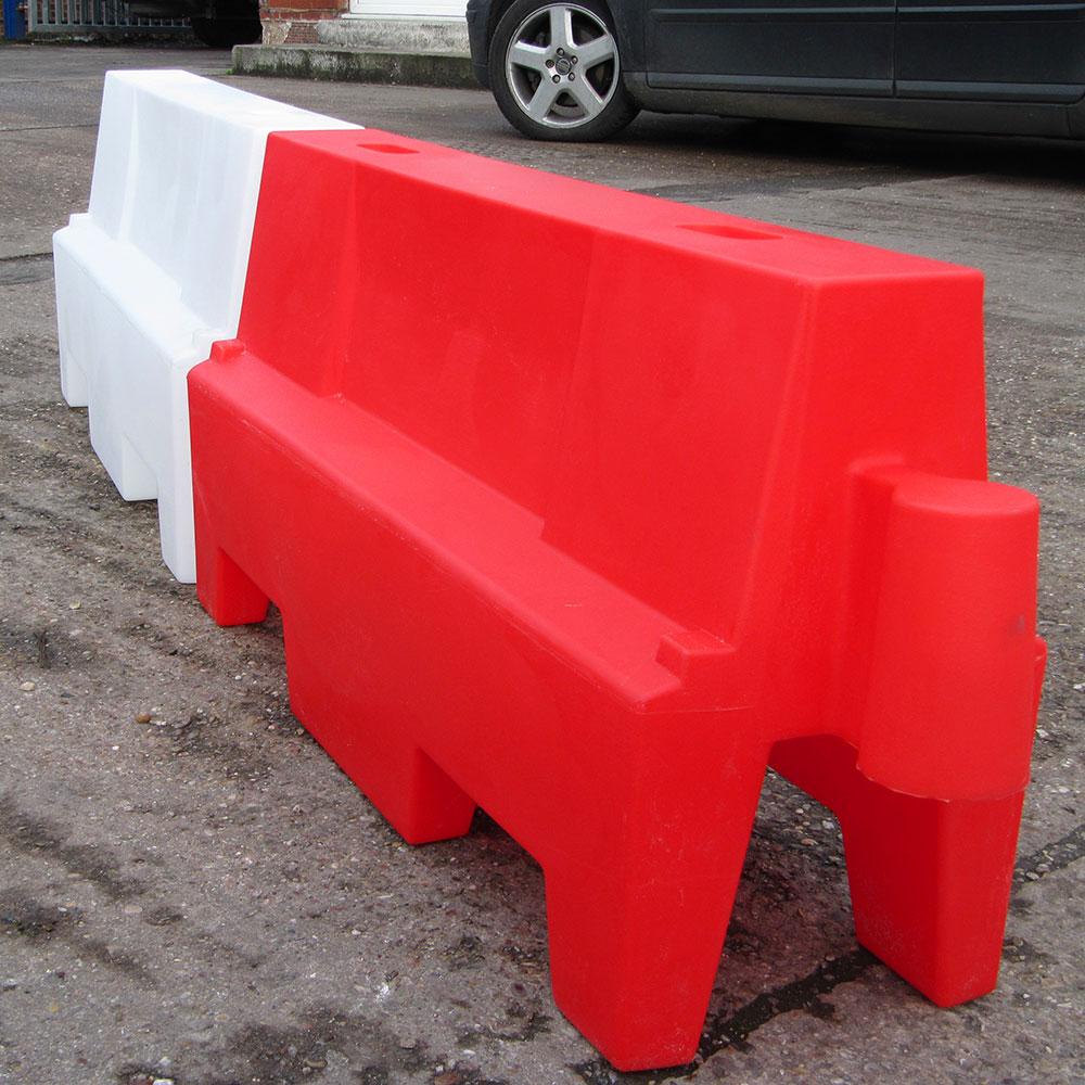 Witte smalle kunststof barrier 100s stapelbaar vulbaar for Witte kunstof eetkamerstoelen