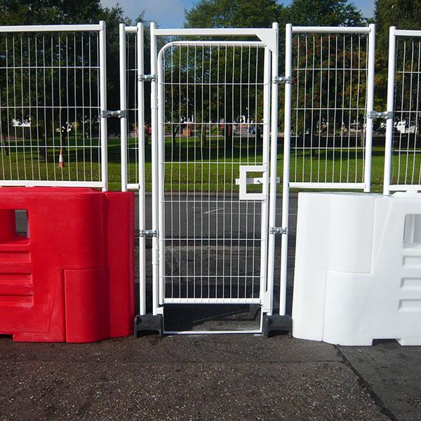 barriers met deur