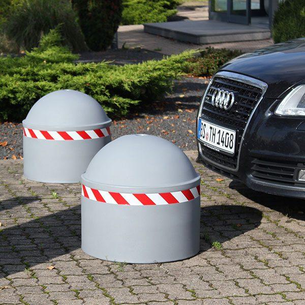 parkerplaats met parkeerbol